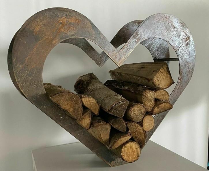 Herz aus Metall, Holz-Regal, Edel-Rost, Garten Terrasse