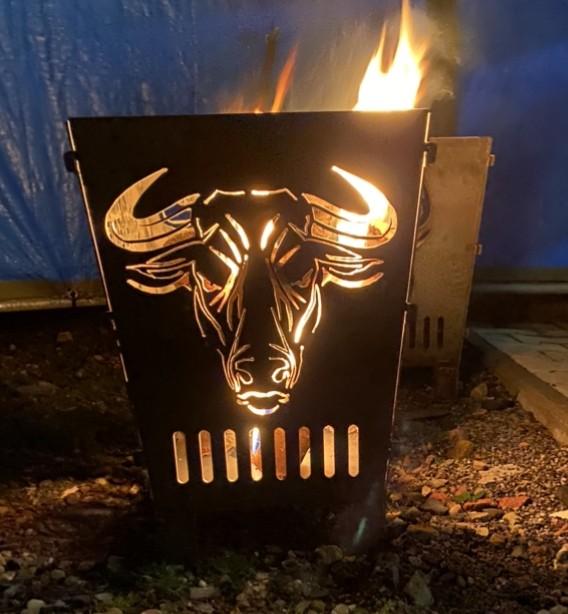 Feuerkorb Feuerschale Feuersäule aus 3 mm Stahlblech Bulle BBQ